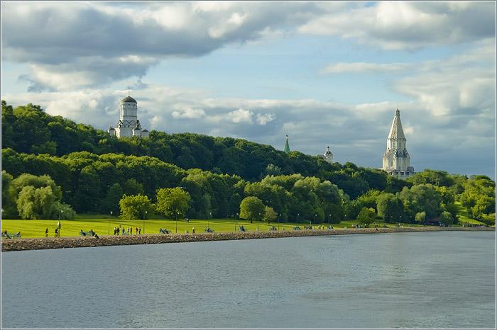 Коломенское. Набережная Москва-реки