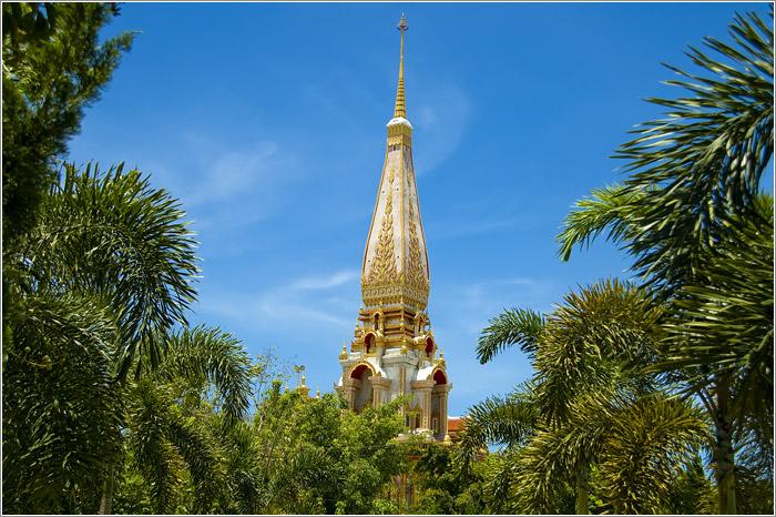 Тайланд. Пхукет. Монастырь Ват Чалонг.